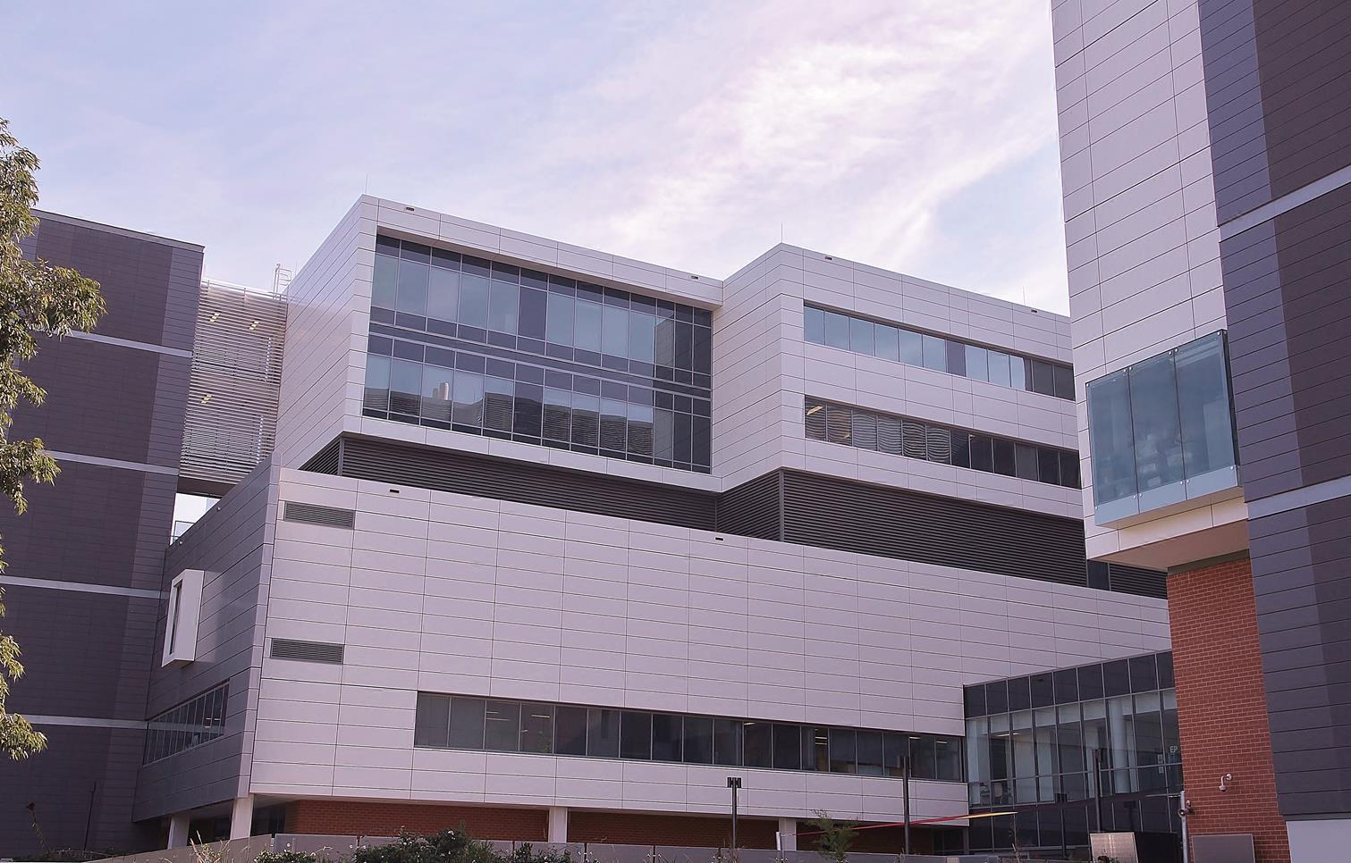 Liverpool-Hospital-Facade-2