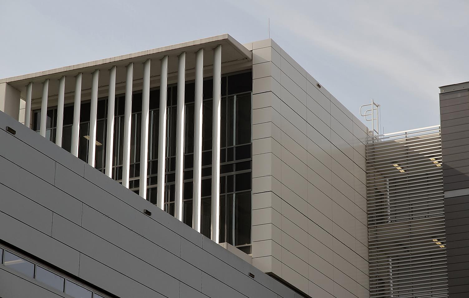 Liverpool-Hospital-Facade-6